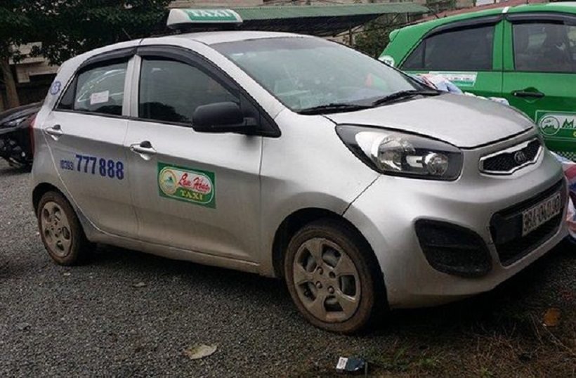 Taxi Lam Hồng